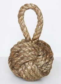 Heart Maine Home: Rope knot bookend {DIY} with photo instructions!  http://heartmainehome.blogspot.com/2012/04/monkey-fist-rope-knot-home-decor-diy.html