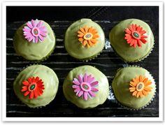 Green tea cupcakes with green tea glaze
