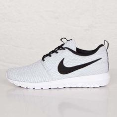 get cheap ede46 07eba Nike Roshe NM Flyknit - 677243-101 - Sneakersnstuff   sneakers   streetwear  online since 1999