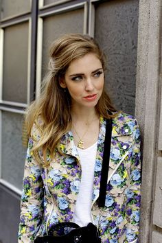 Sexy floral jacket : outfit by the pretty Chiara Ferragni