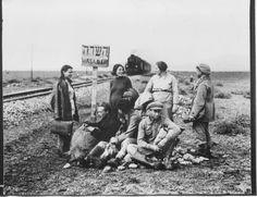 השם רכבת העמק לא ניתן מעולם למסילה באופן רשמי, אך נפוץ ביישוב היהודי בארץ ישראל. רכבת העמק היא שלוחה של מסילת הרכבת החיג'אזית, אשר נבנתה בתחילת המאה ה-20.