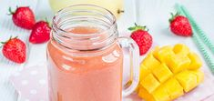 Cool off in the heat when you indulge in the refreshing tropical flavors of this hydrating, antioxidant-rich strawberry mango smoothie. Glass Jars, Mason Jars, Strawberry Mango Smoothie, Raw Vegan Recipes, Healthy Smoothies, Banana, Fruit, Tableware, Photographs