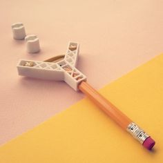 Pencil Slingshot (DESKTOP TOYS II) #3D #3Dprint #3Dprinting [more pics on Cults website]