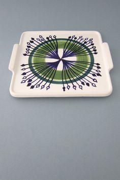 Arabia, Finland - vintage ceramic tab handled 'starburst' platter Vintage Crockery, Vintage Ceramic, Glass Ceramic, Ceramic Pottery, Best Christmas Pageant Ever, Vintage Kitchen Accessories, Mid Century Modern Kitchen, Vintage Textiles, Beautiful Patterns