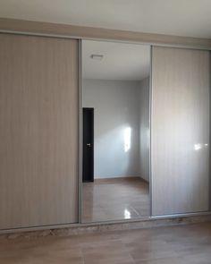 Wardrobe Design Bedroom, Bedroom Closet Design, Home Room Design, Bedroom Decor, House Design, Sliding Door Wardrobe Designs, Wardrobe Doors, Latest Furniture Designs, Bathroom Design Luxury