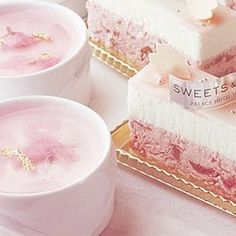 (pink desserts aesthetic)