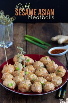 Light Sesame Asian Meatballs - ground turkey or chicken, sriracha (gluten-free, dairy-free, paleo) Easy Delicious Recipes, Easy Healthy Recipes, Easy Dinner Recipes, Paleo Recipes, Asian Recipes, Meat Recipes, Healthy Meals, Asian Meatballs, Chicken Meatballs