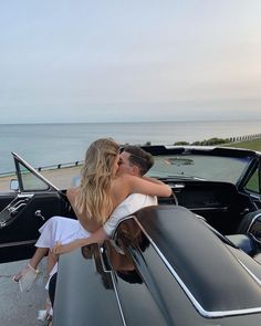 Image Couple, Photo Couple, Relationship Goals Pictures, Cute Relationships, Cute Couples Goals, Couple Goals, Couple In Car, Cute Couple Pictures, Couple Photos
