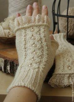 Source by bregail Crochet Gloves Pattern, Mittens Pattern, Knitting Patterns, Knitting Tutorials, Hat Patterns, Stitch Patterns, Fingerless Mittens, Knit Mittens, Knitted Gloves