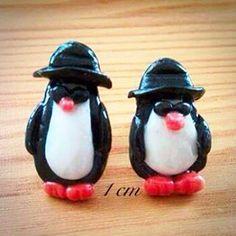 Malecka braća Bluz pingvini veličine nokta iz 2012. #miniature 1cm #earrings #penguins #funny #jewelry #creative #handmade #handmadejewelry #jewelry #handmadewithlove #art #miniature #fimo #pardo #premo #polymer #polymerclay #clay #cute #sweet #girly #kawaii #creation #sculpy #sculpture #fimocreation #cernit #polymerclayartist #figurine