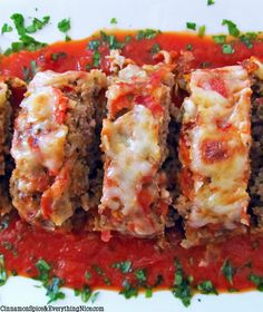 Italian Meatloaf- So yummy! One of the best meatloaf recipes out there! Meatloaf Recipes, Meat Recipes, Cooking Recipes, Recipies, Cooking Tips, Dinner Recipes, Beef Dishes, Food Dishes, Main Dishes