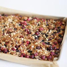 Almond Berry Breakfast Bars - Fraiche Nutrition