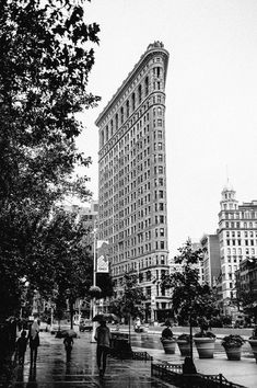 Flatiron Building by @israelcphotography by newyorkcityfeelings.com - The Best Photos and Videos of New York City including the Statue of Liberty Brooklyn Bridge Central Park Empire State Building Chrysler Building and other popular New York places and attractions.