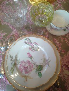 porcelaine verrerie les tables d eva Tables, Plates, Tableware, Porcelain, Mesas, Licence Plates, Dishes, Dinnerware, Griddles