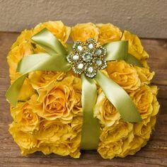 Caja de regalo de flores como centros de mesa - LaCelebracion.com