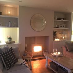 A late good Evening lovelies! Hoping you have all had a lovely Mother's Day! Cannot believe we were snuggled up with the fire going on Friday, this weekend has been beautiful! Enjoy the last bit of the weekend all  #lounge #livingroom #livingroomstyle #livingroominterior #livingroominspo #livingroomdecor #logburner #chillipenguin #inspohome #instastyle #interior123 #interior125 #interiores #instagood #tealights #homeideas #homedecor #actualinstagramhomes #homewares #styleathome…