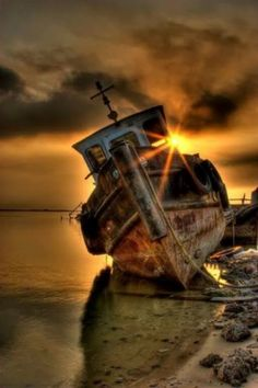 Aged with beauty sunset abandoned rusty old ship. Two things i love photography and pirate ships Abandoned Ships, Abandoned Places, Cool Pictures, Cool Photos, Foto Picture, Nice Picture, Ghost Ship, Image Nature, Old Boats