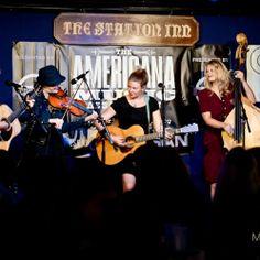 2013 Americana Music Festival : Della Mae | MIMOSA ARTS ... Della Mae performs at the Station Inn on 2013.09.18 #AmericanaFest