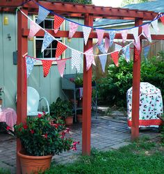 adorable pennant & grill cover