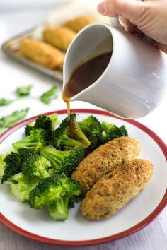 Smoked cheese and bean sausages - homemade vegetarian sausages that are easy to make and SO TASTY! Perfect with a roast dinner, mash and gravy, or chips and beans! Smoked Cheese, Roast Dinner, Vegetarian Dinners, Gravy, Broccoli, Cravings, Sausages, Beans, Chips