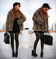 Leopard faux fur & black lace http://lookbook.nu/look/2832745-Hello-Christmas