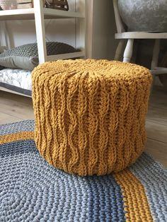 T Shirt Yarn, Crochet Home, Scandinavian Style, Knitting Yarn, Outdoor Furniture, Outdoor Decor, Ottoman, Fashion Accessories, Crochet Patterns