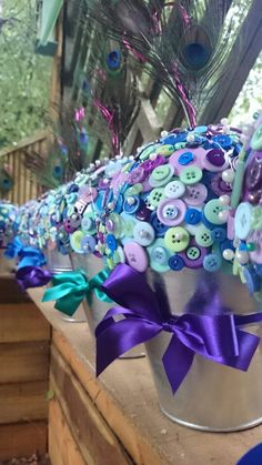 Peacock theme button buckets large!