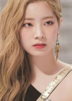 Find images and videos about twice and dahyun on We Heart It - the app to get lost in what you love. Twice Dahyun, Tzuyu Twice, Nayeon, South Korean Girls, Korean Girl Groups, Rapper, Blonde Asian, Twice Once, Minatozaki Sana