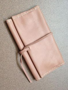 tobacco pouch for Clara