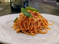 One of the easiest and yet most difficult #recipes in #Italy is pasta with tomato sauce (#Spaghetti al #Pomodoro). That is the beauty of real #Italian cooking, simplicity. Spaghetti Al Pomodoro, Difficult Recipe, Italian Cooking, Tomato Sauce, Great Recipes, Food Photography, Pasta, Italy, Italia