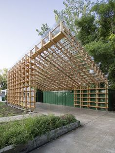 sticks by hou de sousa officially opens at socrates sculpture park in NYC : 네이버 카페 Timber Architecture, Architecture Details, Landscape Architecture, Pavilion Architecture, Socrates, Pavillion, Timber Structure, Wood Construction, Gazebo