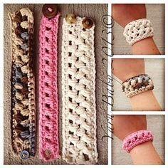 Ravelry: The Brecken Bracelet: FREE crochet pattern by Shannon @ My Yarn Baby crochet bracelet Crochet Bracelet Pattern, Crochet Jewelry Patterns, Crochet Accessories, Bracelet Patterns, Crochet Jewellery, Love Crochet, Crochet Gifts, Crochet Yarn, Crochet Stitches