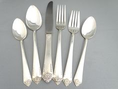 For Mother's Day  1950 Rogers & Bro. International Silver Starlight 6 Piece Place Setting – Dinner Knife – Dinner Fork – Salad Fork - Soup Spoon – 2 Teaspoons https://etsy.me/2IH2cXM #housewares #silver #silverplate #placesetting #vintage #flatware #dining #silverware