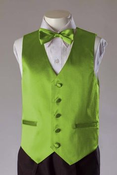 Or a lime green vest with the blue rose boutonniere. Lime Green Weddings, Pink Green Wedding, Hot Pink Weddings, Wedding Colors, Green Tux, Green Vest, Green Satin, Smoking Verde, Wedding Tux