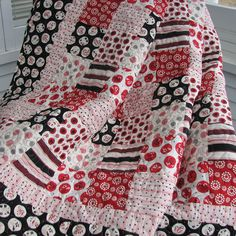 Hope red/black quilt I'm planning for Tilda turns out as beautiful as this