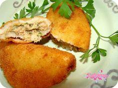 Receitas - Rissóis de atum - Petiscos.com Tuna Recipes, Cooking Recipes, Yummy Recipes, Tapas, Brazilian Dishes, Portuguese Recipes, Portuguese Food, Good Food, Yummy Food