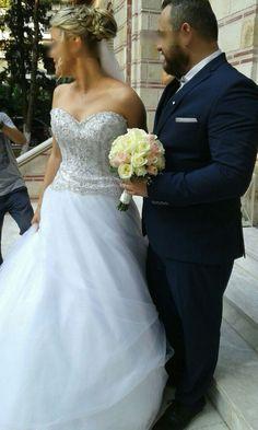 Moustakas flowers -Wedding bouquet with avalanche roses Flower Bouquet Wedding, Flower Arrangements, Roses, Bridal, Wedding Dresses, Summer, Weddings, Ideas, Fashion