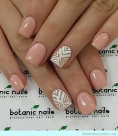 Gorgeous nude nail art idea for winter