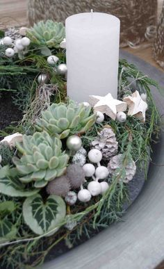 Резултат с изображение за weihnachtsdeko hauseingang - Christmas Advent Wreath, Xmas Wreaths, Christmas Candle, White Christmas, Christmas Time, Christmas Crafts, Deco Floral, Arte Floral, Christmas Arrangements