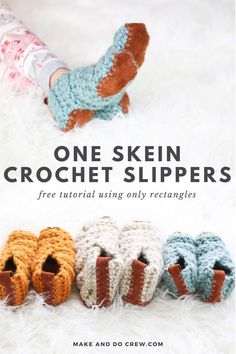 Learn how to crochet slippers from simple rectangles in this easy video tutorial from Make & Do Crew. This beginner crochet project could not be simpler, but the end result is stunning and the perfect DIY gift idea for friends and family. All you need is one skein of Lion Brand Wool-Ease Thick & Quick or substitute ANY weight yarn for these super fast crochet slippers. Follow along with the free pattern to crochet slippers for toddlers, kids, women and men! Easy Crochet Slippers, One Skein Crochet, Fast Crochet, Learn To Crochet, Crochet Scarves, Crochet Slipper Pattern, Crochet Blanket Patterns, Beginner Crochet Projects, Crochet For Beginners