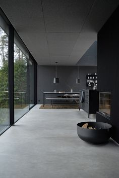 A weekend at the Vipp Shelter Interior House Design Shelter Vipp Weekend Concrete Interiors, Dark Interiors, Black Interior Design, Interior Modern, Beton Design, Modern House Design, Modern Houses, Interior Architecture, Futuristic Architecture