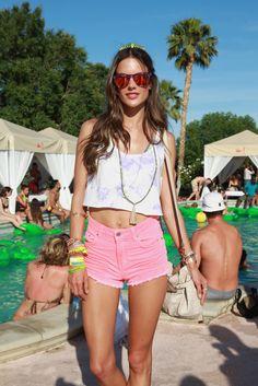 Alessandra Ambrosio at Coachella 2013 - Papuatattoo - Lifestyle ...