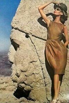 Nena Von Schlebrugge for Harper's Bazaar, Jan. 1962