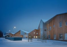 Completed in 2017 in Seinäjoki, Finland. Images by Mikko Auerniitty. The Taika Kindergarten building is carefully designed with the needs and the scale of children in mind in order to provide them an experiential and. Kindergarten Architecture, School Architecture, Amazing Architecture, Architecture Details, Kindergarten Drawing, Kindergarten Lesson Plans, Anchor Charts, Timber House, Commercial Architecture