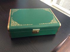 Vintage...Jewelry box...Green and gold...Hard sided...No key...Velvet lining by jumpoutofthebox on Etsy