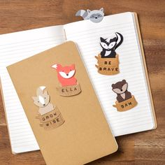 Who wouldn't love a furry little friend peeking over the top of the pages of their book? These adorable little book buddies were made with the Foxy Friends and Fox Builder punch. #stampinup