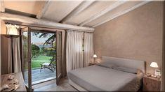 Hálószoba görög fagerendás házban Nappali fagerendás házban     Hálószoba modern fagerendás házban     Hálószoba, rusztikus fa födém     Rusztikus enteriőr görög parasztházban