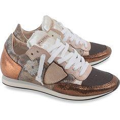 Achetez Vos Chaussures Philippe Model chez la Boutique en ligne Raffaello Network. La Nouvelle Collection de Baskets pour Femme est arrivée.