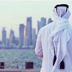 يابحر Arab Men Fashion, Islamic Fashion, Muslim Fashion, Stylish Girls Photos, Stylish Boys, Girl Photos, Muslim Images, Islamic Images, Muslim Men