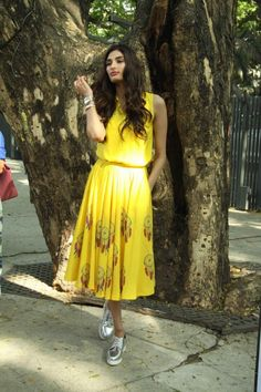 Athiya Shetty Looks Hot In Yellow Dress At Nishka Lulla's Summer Collection Launch Event ★ Desipixer  ★